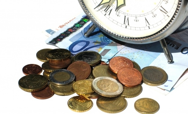 Прогноза: Еврото ще се изравни с паунда през 2019-а