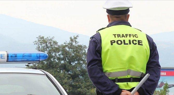 Спрели са неправоспособен водач на лек автомобил във Врачанско, съобщиха