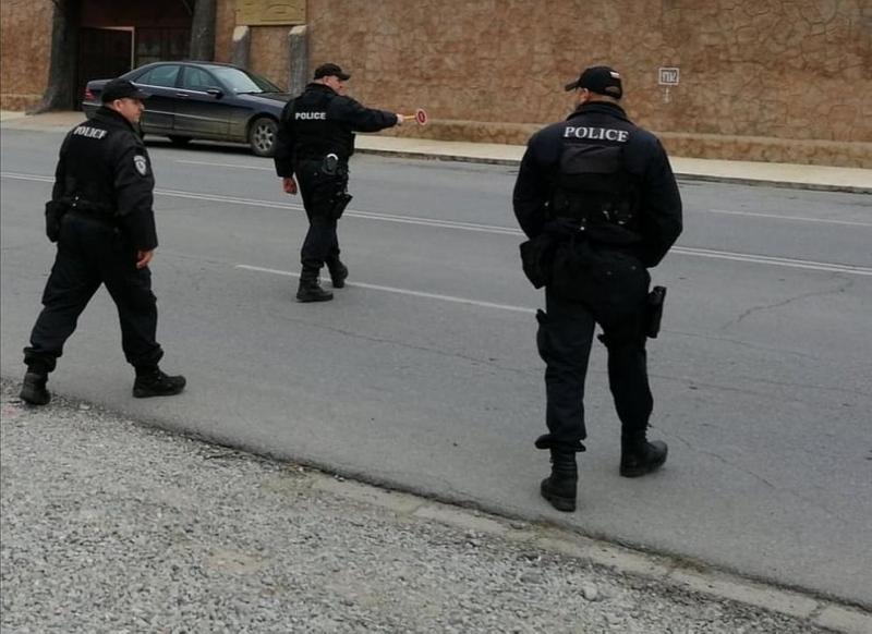 Заловиха обявен за общодържавно издирване при акция в село Градец /снимки/