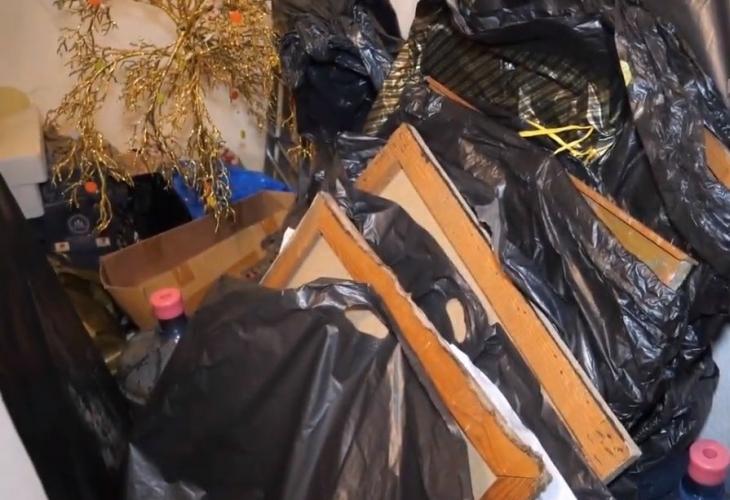 Апаш разби тавана на къща в Лом, съобщиха от МВР.