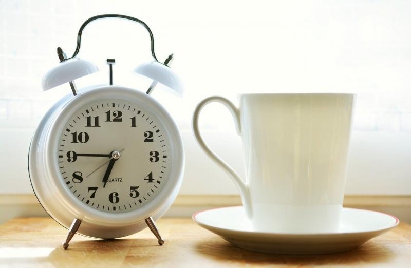 Много от нас всяка сутрин воюват с будилника, отлагайки ставането