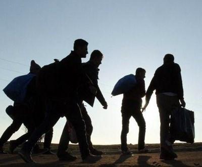 Петима пакистански бежанци,които нелегално преминали в България, са били върнати