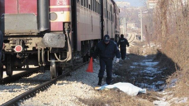 Стана ясна самоличността на хвърлилия се пред влака край врачанското
