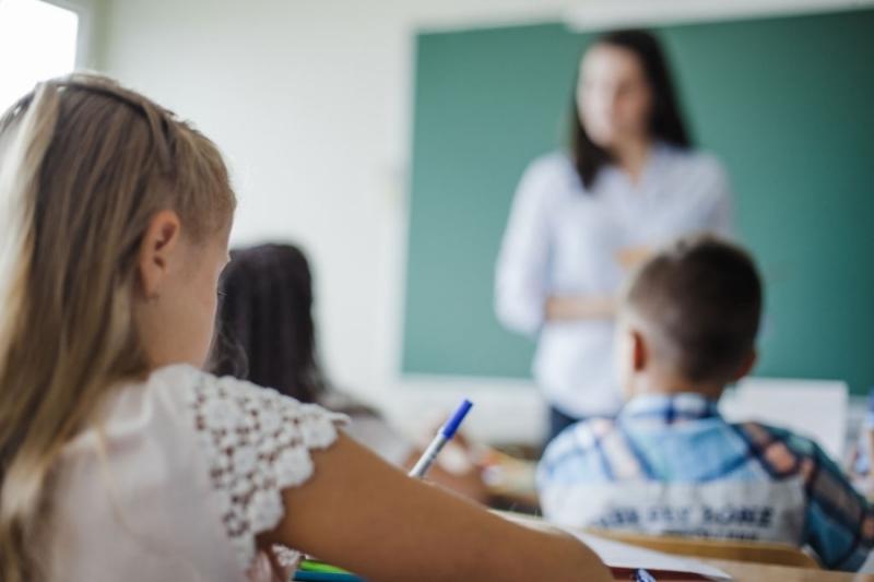 Над 1000 учители се търсят в момента в цялата страна.