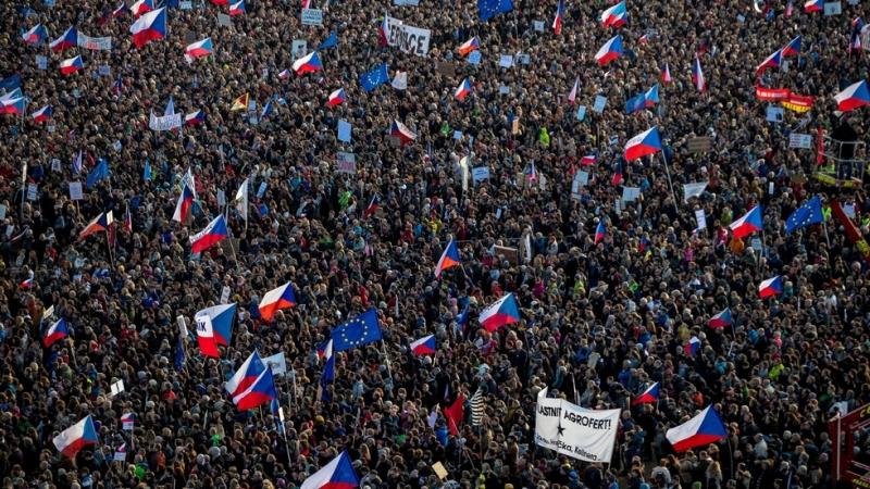 Стотици хиляди протестираха срещу властта в Чехия. 250 000 души