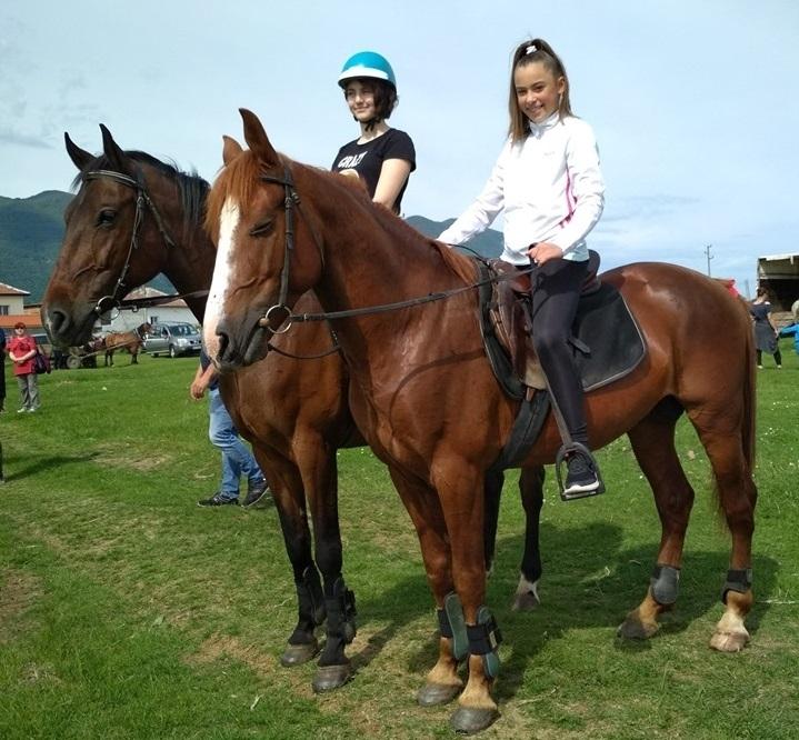 Момиче от Мездра – призьор на конните състезания в Нефела