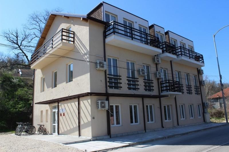Частен съдебен изпълнител обяви на търг семеен хотел в Оряхово,