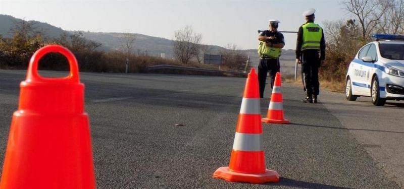 Двама души пострадаха при катастрофана пътя Айтос-Руен, съобщиговорителят на областната