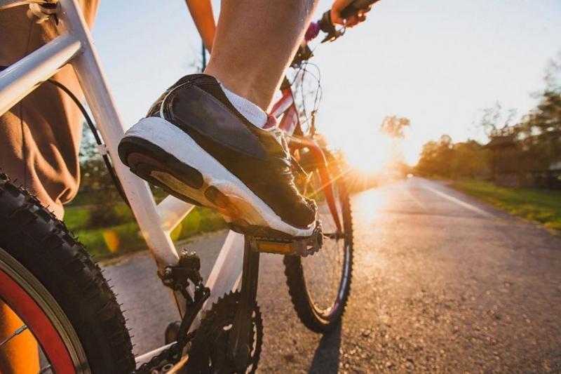 Бързо ходене или каране на велосипед по половин час три