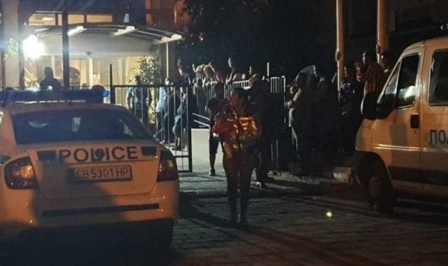 Трима са пострадали при масов бой в Бяла Слатина, съобщиха