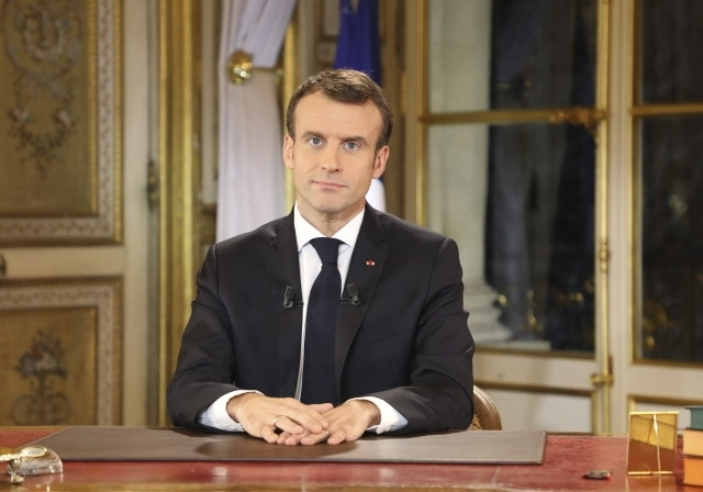 Снощи френският президент Емануел Макрон обяви извънредно икономическо положение в