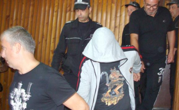 Осъдиха ученик, убил баща си във варненско село. Владислав А.