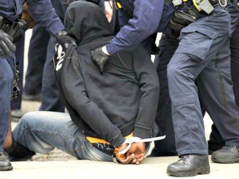 Полицейски служители в Стара Загора задържаха 47-годишен мъж с голямо