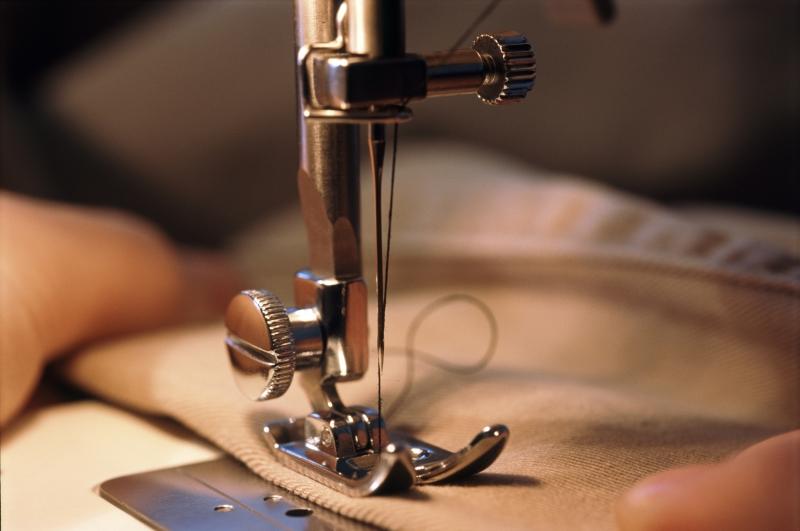 Млад шивач е пострадал при злополука по време на работа,