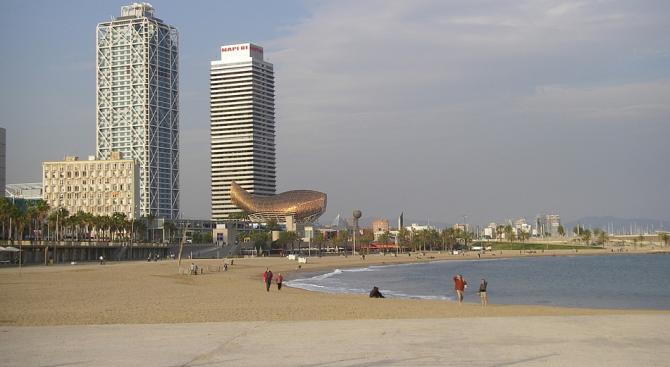 Испанската полиция разпространикадри на експлозива, открит на морското дъно, който