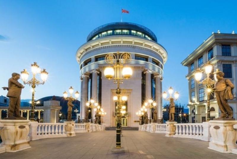 """""""Галъп"""": 51,1% подкрепят Македония за ЕС само при изпълнение на Договора с България"""
