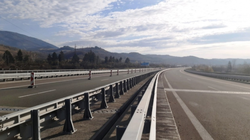 """България отлага изграждането на последния участък от магистрала """"Струма"""" при"""