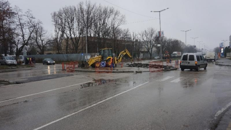 Започна изграждането на ново кръгово кръстовище във Видин. То е