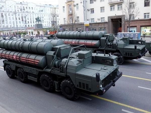 Турският президентРеджеп Тайип Ердоганобяви, че очаква първитеруски зенитно-ракетни системи С-400да