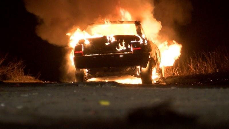 """Луксозен """"Ягуар С"""" е бил подпален в Бургас вчера вечерта,"""
