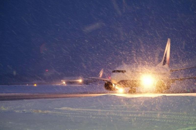 Над 830 полета бяха отменени на летищата в Чикаго в