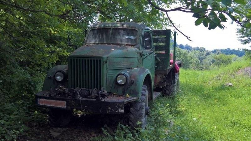 Заловиха мъж с камион с чужди номера във Врачанско, съобщиха