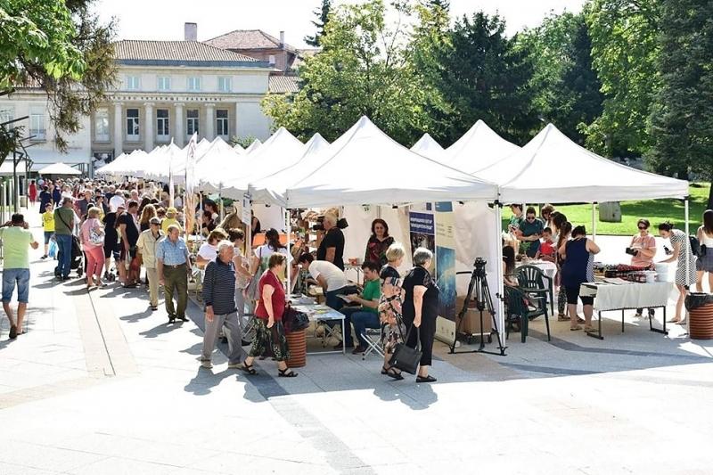 Във второто издание на Фермерския пазар във Враца има двойно