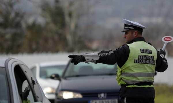 Десетки нарушители на пътя отнесоха глоби във Враца само за