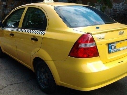 Снимка: Докъде се докарахме! Продават на търг таксито на заборчнял монтанчанин