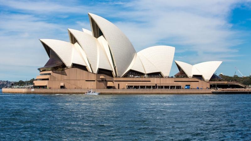 Евакуираха операта в Сидни. Стотици бяха изведени от зона, която