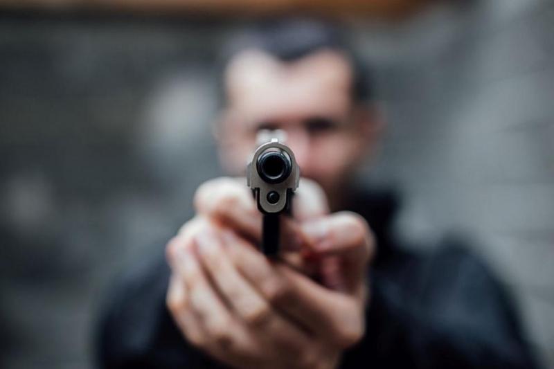 Столични полицаи задържаха трима мъже, непосредствено след извършен въоръжен грабеж,