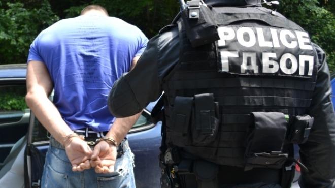 Снимка: Тикнаха в ареста врачанин с канабис