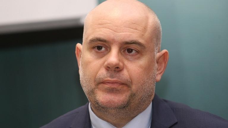Иван Гешев е първата номинация за нов главен прокурор. Зад