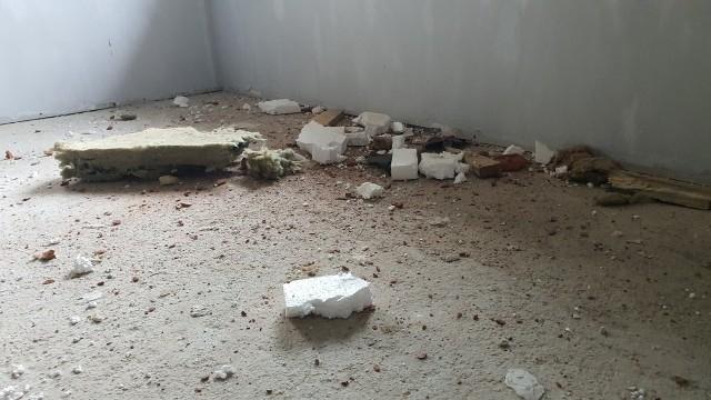 Къща беше пробита от скален къс при взривни дейности на