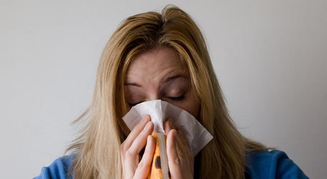 В момента минават няколко вълни на респираторни инфекции в България.
