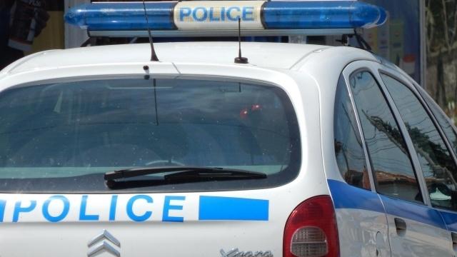 Шестима мъже са били арестувани в Чирпанзаради побой и грабеж.