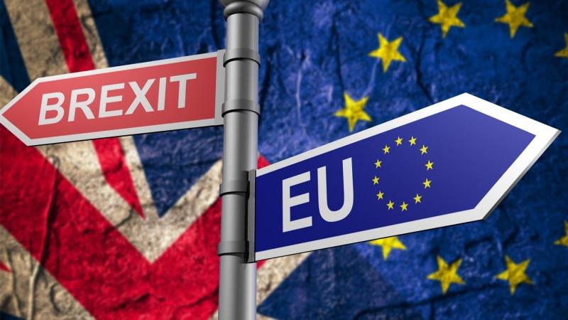 В Лондон: След Брекзит имигрантите ще бъдат третирани еднакво