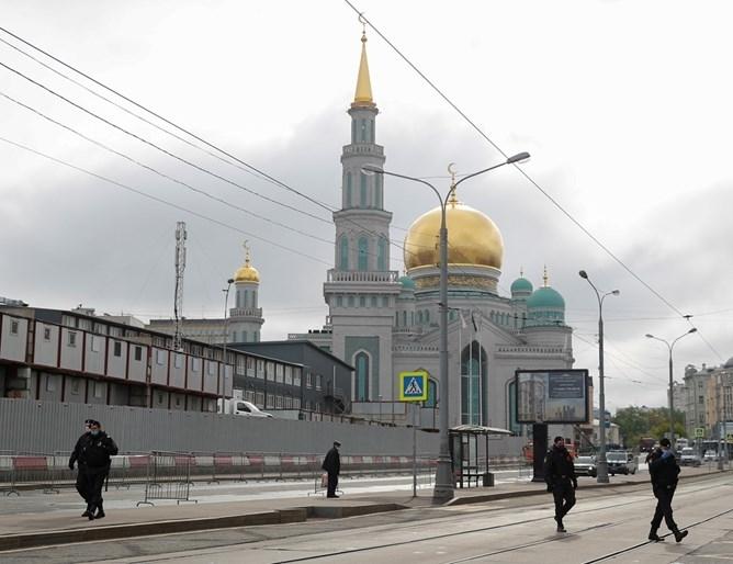 Москва регистрира най-ниския ръст на заразените с COVID-19 от 23 април