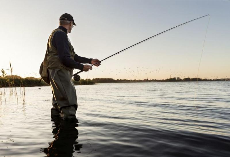 Изграждане на лодкостоянка, рибарски кей, къмпинг, закупуване на лодка за