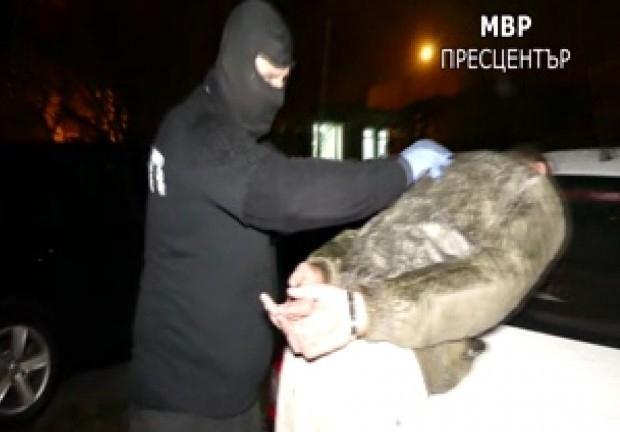При специализирана акция на ГДБОП и прокуратурата беше заловена престъпна