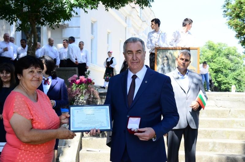 Кметът на Видин е удостоен с диплом и юбилеен медал