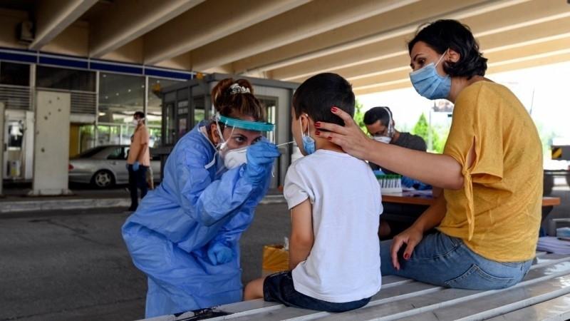 От днес: В гръцката област Атика глобяват по 150 евро за неносене на маска