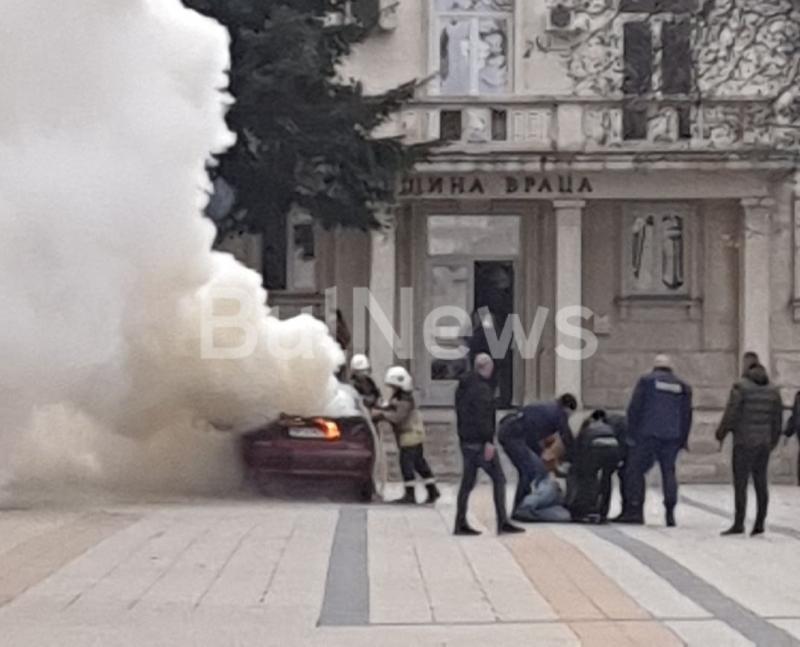 Първо в BulNews! Пуснаха под домашен арест Веселин, който запали колата си пред общината във Враца