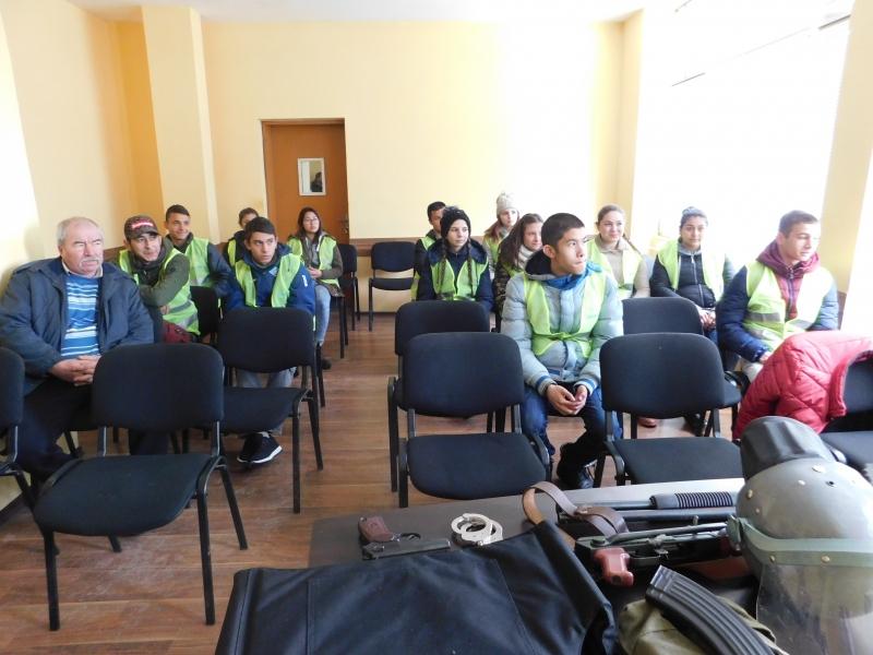 Продължава партньорството между местната полиция и училищата от региона в