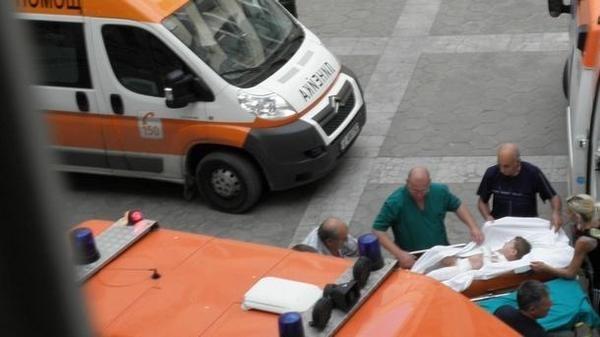 """Кръв на пътя! Дете бере душа в болницата в Монтана, румънец с """"Ауди"""" го помете"""