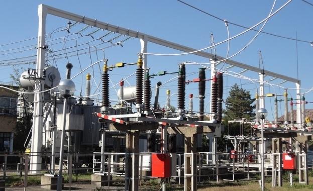 През последните дни България внася повече електроенергия, отколкото изнася. Това