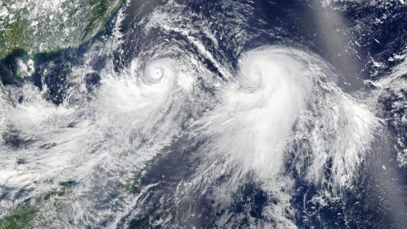 За евакуация на над половин милион души в Западна Япония