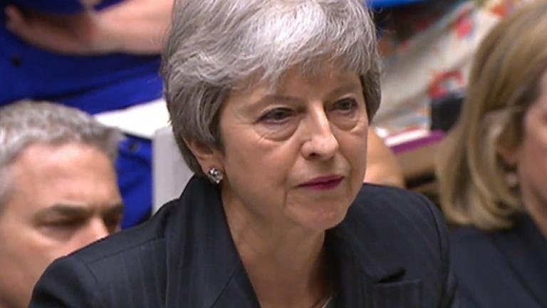 Миналата вечер британските министри са се разбунтували срещу министър-председателката Тереза