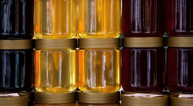 От днес до 3 януари стартират проверки на меда, който