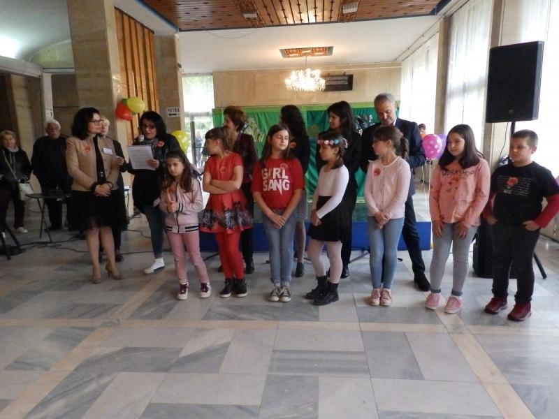 Кметът на Монтана Златко Живков днес чете пред деца в